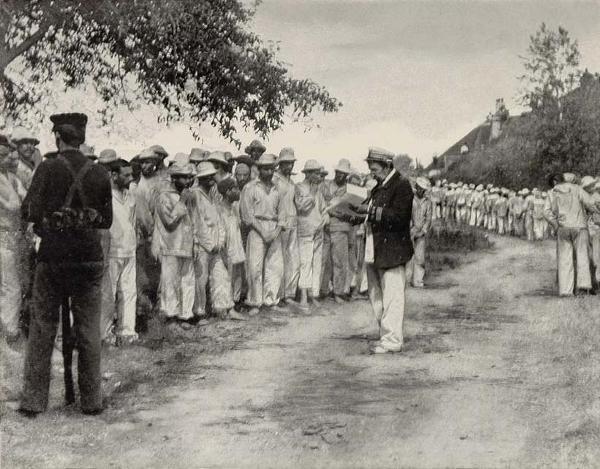 Soldados españoles prisioneros.