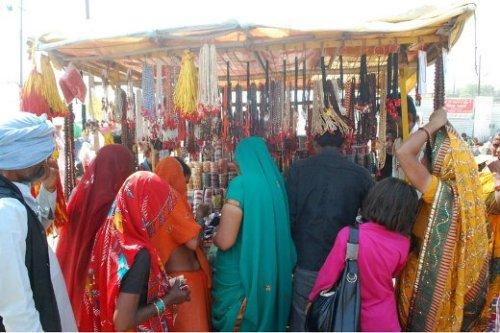 De compras en Allahabad. Foto: Kumbh Mela Allahabad