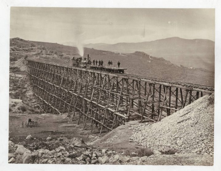 Uno de los puentes, cerca de Promontory. Foto: Andrew J. Russell, 1864-1869.
