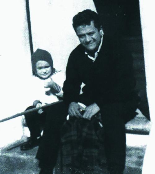 Carlos Castaneda y su niño (1964)